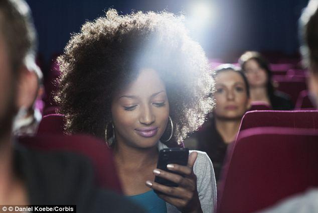ITEA Soluciones TIC - Teatro con zona exclusiva para twitteros -