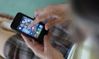 ITEA Soluciones TIC - El 40% de los terminales vendidos a personas de entre 60 y 85 años son smartphones -